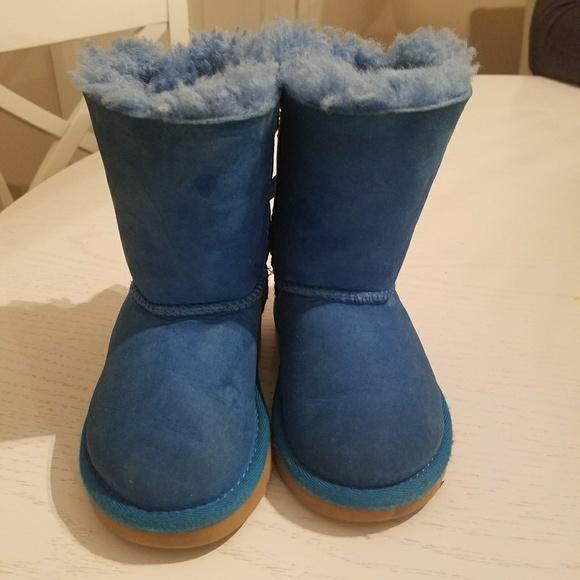 UGG toddler blue suede sherling fur boot. Size 6